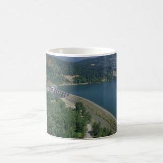 Lac et barrage dexter tasse à café