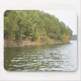 Lac et île tapis de souris