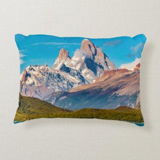 Lac et montagnes des Andes, Patagonia - Argentine Coussins Décoratifs