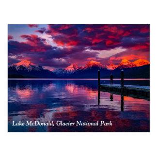 Lac McDonald, ciel de rouge de parc national de Carte Postale