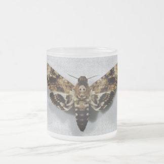 Lachesis d'Acherontia de sphinx de la tête de mort Mug En Verre Givré