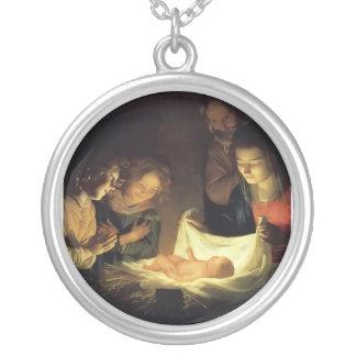 L'adoration du collier d'enfant