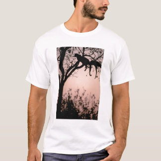 L'Afrique, Botswana, delta d'Okavango. Léopard T-shirt