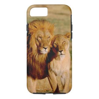 L'Afrique, Namibie, Okonjima. Lion et lionne Coque iPhone 7
