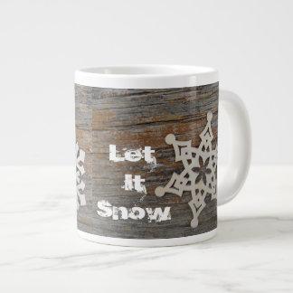 Laissez lui neiger tasse avec l'image de flocon de