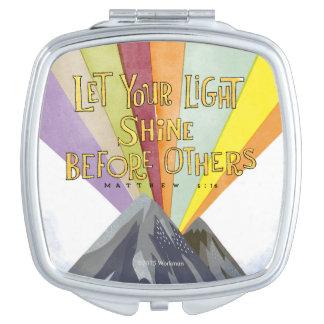 Laissez votre éclat léger miroir compact