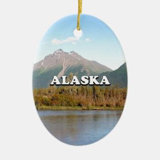L'Alaska : montagnes, forêt et rivière, Etats-Unis Ornement Ovale En Céramique
