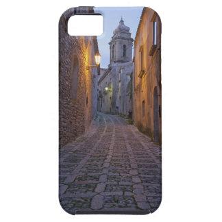 L'allée pavée en cailloutis de la vieille ville s' coque iPhone 5