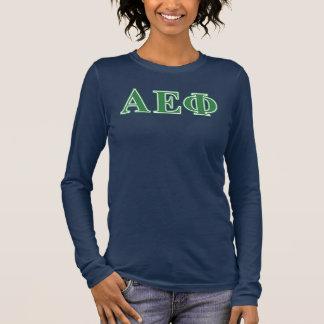 L'alpha vert epsilon de phi marque avec des t-shirt à manches longues