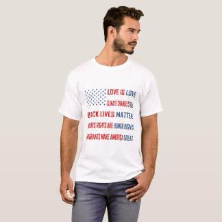 L'amour est le T-shirt de base des hommes d'amour