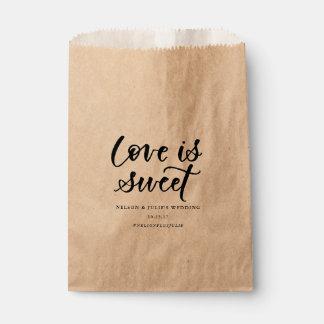 L'amour est sac doux de faveur sachets en papier