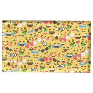 l'amour mignon d'emoji entend le motif de rire de porte-cartes de placement