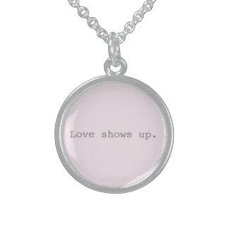 L'amour révèle le collier sterling