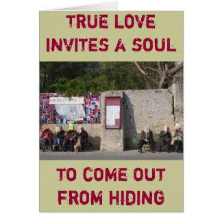 L'amour vrai invite une âme pour sortir de la cartes