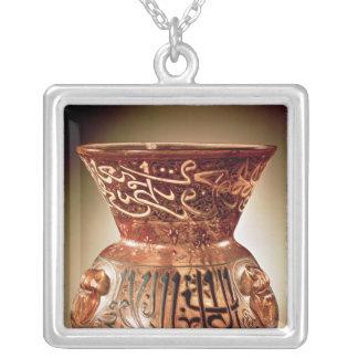 Lampe de mosquée avec la décoration émaux inscrite pendentif carré