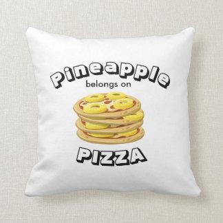 L'ananas appartient sur la pizza Pillow-2 a Oreillers