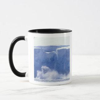 L'Antarctique, baie de paradis, formes de vague Mug
