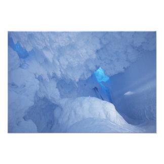 L'Antarctique, île de Ross, cap Evans, caverne de  Photographes