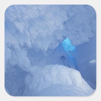L'Antarctique, île de Ross, cap Evans, caverne de Sticker Carré