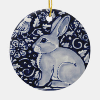 Lapin bleu et blanc avec la conception de tuile ornement rond en céramique