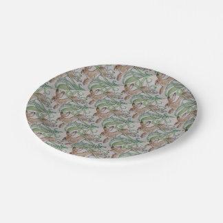 Lapin bronzage naturel, avec la plaque à papier assiettes en papier
