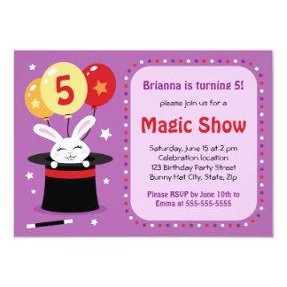 Lapin en fête d'anniversaire de spectacle de magie carton d'invitation  11,43 cm x 15,87 cm