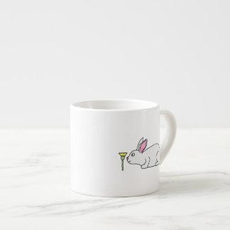 Lapin et fleur blancs mug pour expresso