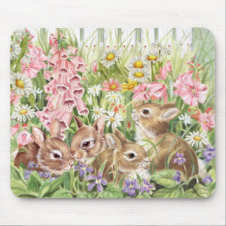 Lapins en fleurs tapis de souris