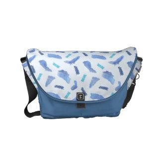 L'aquarelle bleue repère le petit sac messenger sacoche