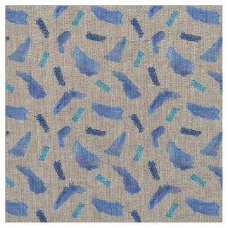 L'aquarelle bleue repère le tissu de toile naturel