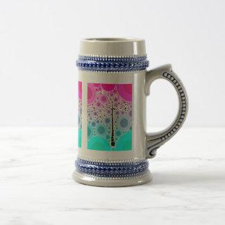 L'arbre coloré génial de rouleau entoure l'art de  chope à bière