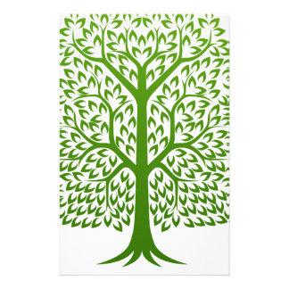 L'arbre fait face au concept papeterie
