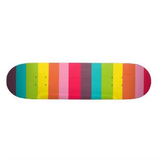L'arc-en-ciel coloré d'amusement barre le motif Gi Plateaux De Skateboards Customisés