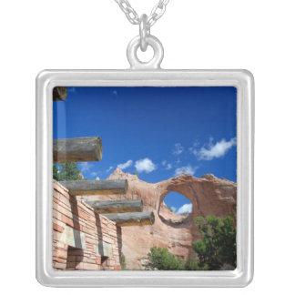 L'Arizona, roche de fenêtre. Capital du Navajo Pendentif Carré