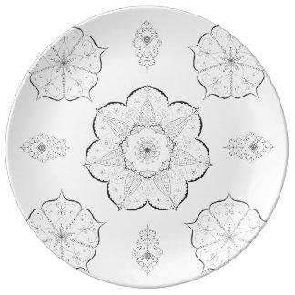 L'art de mandala modèle le plat blanc noir floral assiette en porcelaine