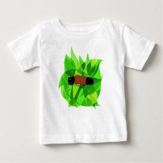 L'art de nature avec laineux concernent le T-shirt