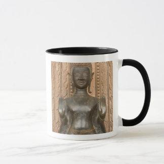 L'Asie, les Laotiens, Vientiane, Bouddha en bronze Mug