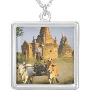 L'Asie, Myanmar (Birmanie), Bagan (païen). Un Collier