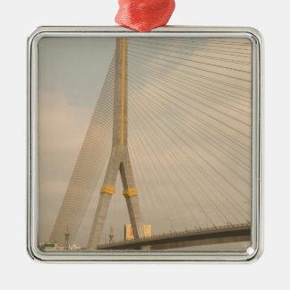 L'Asie, Thaïlande, Bangkok, pont au-dessus de Chao Ornement Carré Argenté