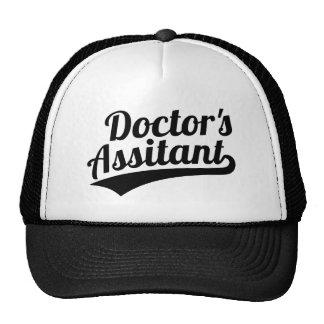 L'assistant du docteur casquettes