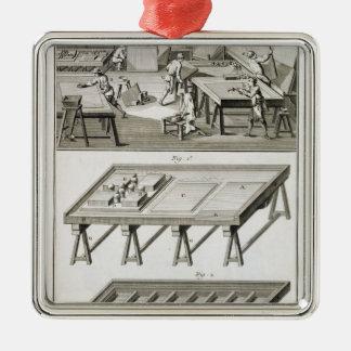 L'atelier et les outils d'un fabricant de miroir, ornement carré argenté