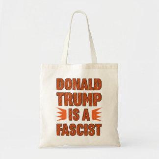 L'atout est un fasciste tote bag