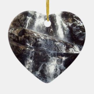 Lauel tombe en hiver ornement cœur en céramique