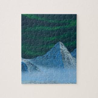 L'aurore Borealis au-dessus des montagnes de Milou Puzzle