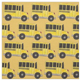 L'autobus scolaire jaune transporte le tissu de
