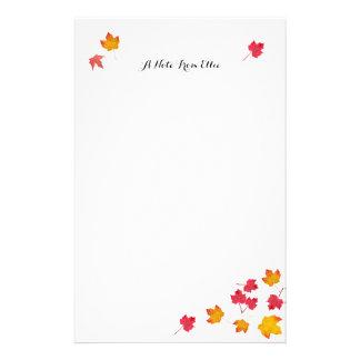 L'automne rouge laisse le papier de note personnel papier à lettre personnalisable