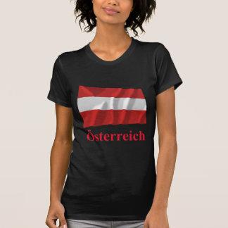 L'Autriche ondulant le drapeau civil avec le nom T-shirts