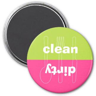 Lave-vaisselle rose de très bon goût propre sale d magnet rond 7,50 cm