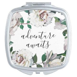 L'aventure assez florale attend le miroir compact