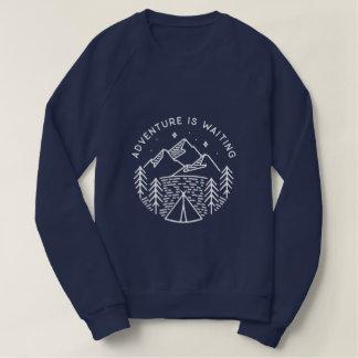 L'aventure attend le sweatshirt raglan des femmes